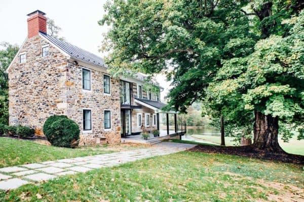 featured posts image for Modernized historic farmhouse in Virginia: Snowy Owl Farm