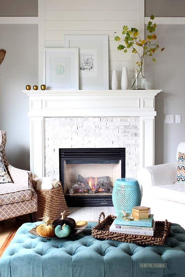 fall-decorating-ideas-fireplace-mantel-01-1-kindesign