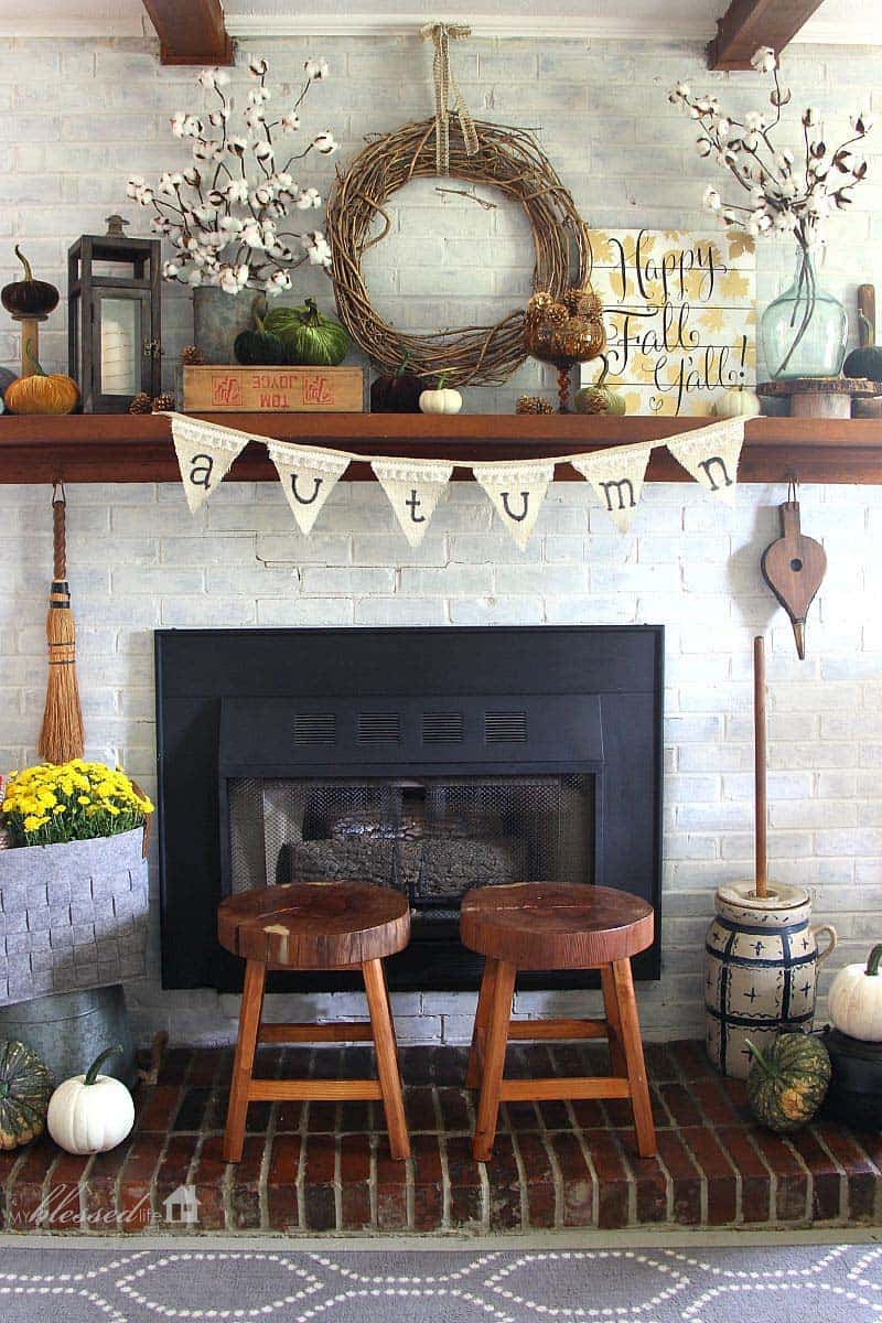 fall-decorating-ideas-fireplace-mantel-13-1-kindesign