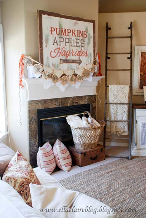 fall-decorating-ideas-fireplace-mantel-36-1-kindesign