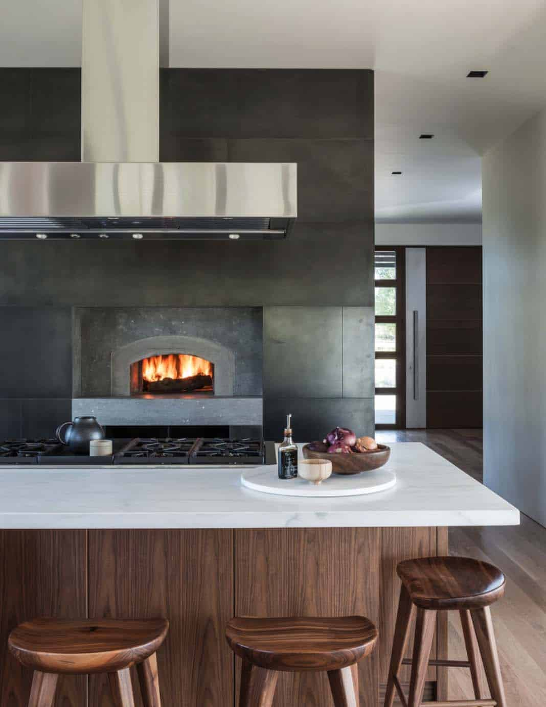mountain-contemporary-home-carney-logan-burke-11-1-kindesign