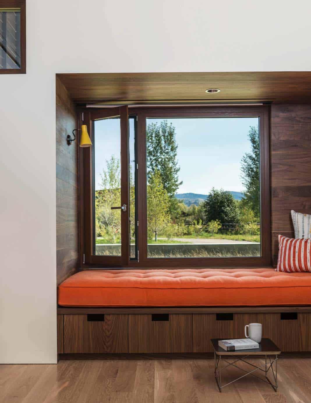 mountain-contemporary-home-carney-logan-burke-14-1-kindesign