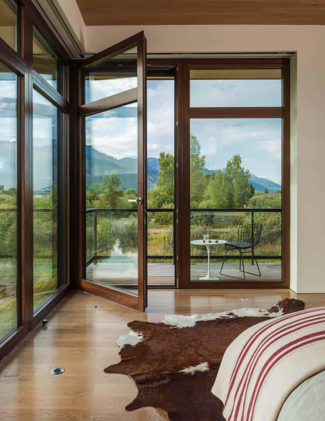 mountain-contemporary-home-carney-logan-burke-17-1-kindesign