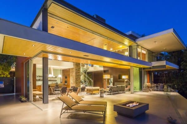 featured posts image for Modern LA home boasting enviable views over the Sunset Strip