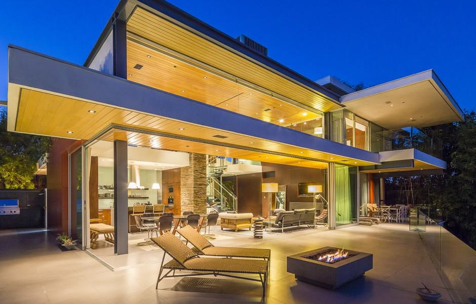 two-story-modern-residence-01-1-kindesign
