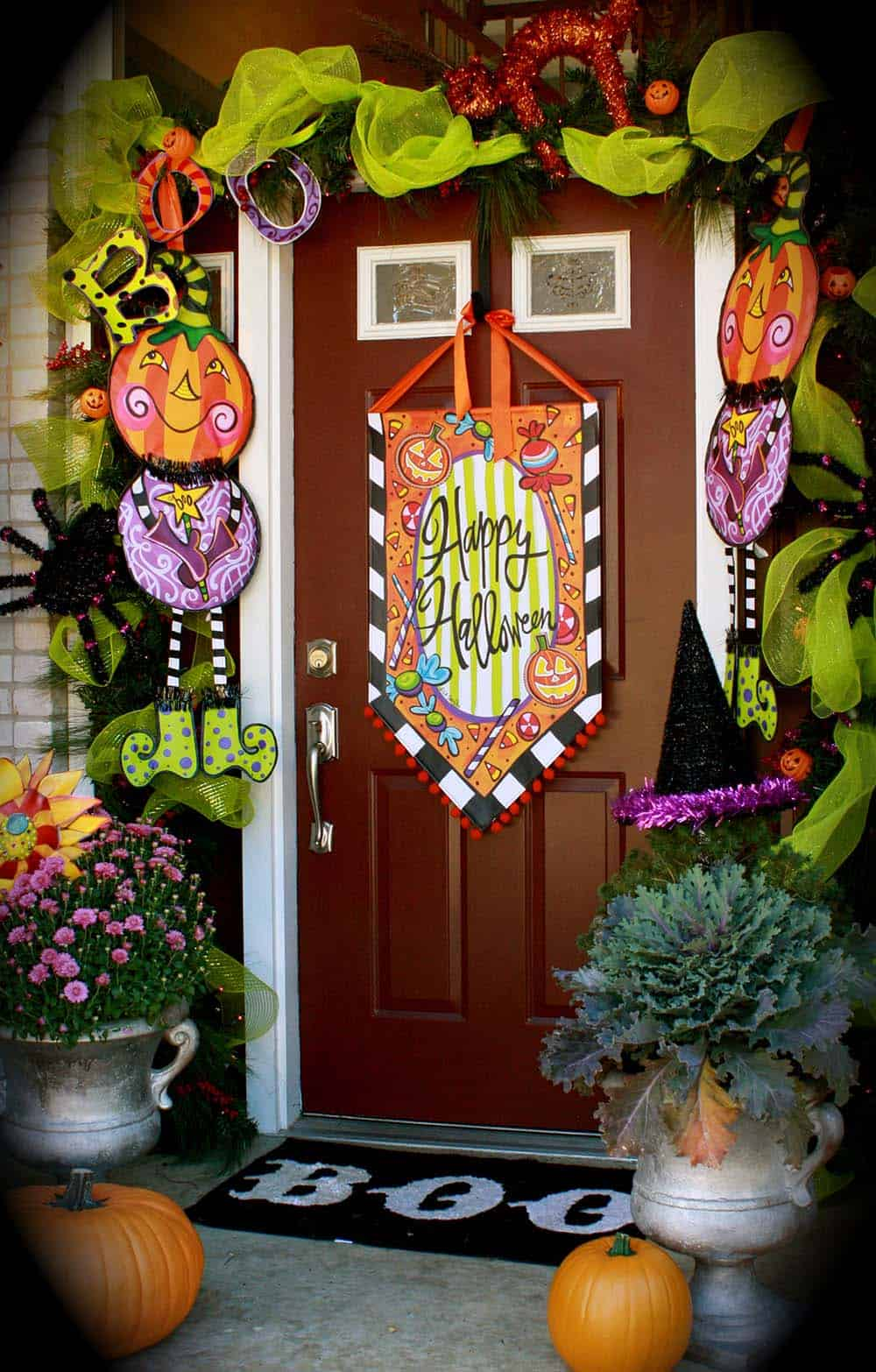 33 amazingly creative halloween front door decorating for Decoration halloween
