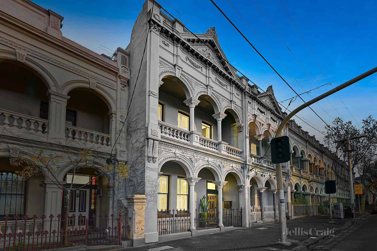 Chic italianate style home with victorian character in for Home architecture melbourne