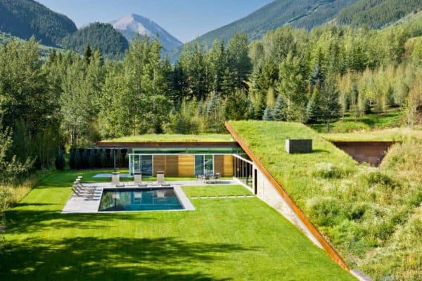 featured posts image for Guest house in the Colorado Rockies partially buried into its landscape