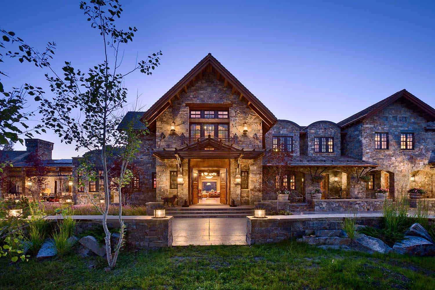A dream home in big sky with rustic mountain style for Mountain home architects
