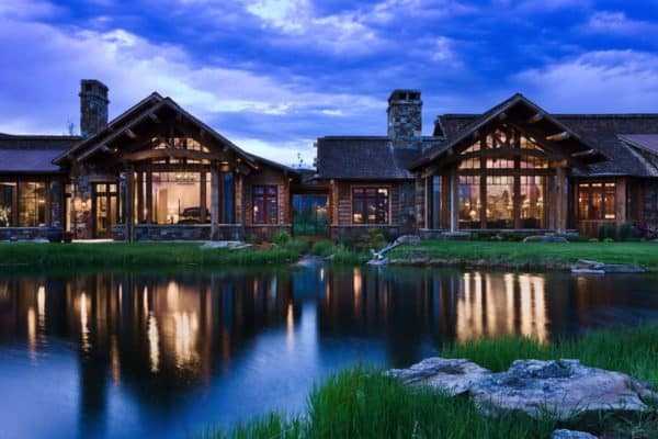 featured posts image for Rustic yet refined mountain home surrounded by Montana's wilderness