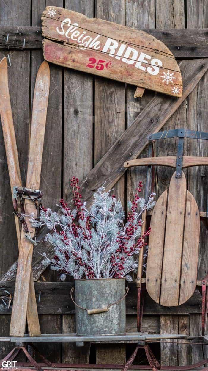 christmas-decor-ideas-rustic-country-21-1-kindesign