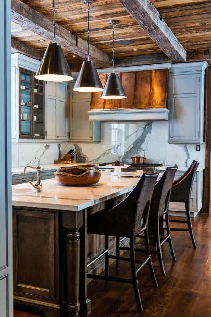 charming-rustic-cottage-timothy-johnson-design-04-1-kindesign