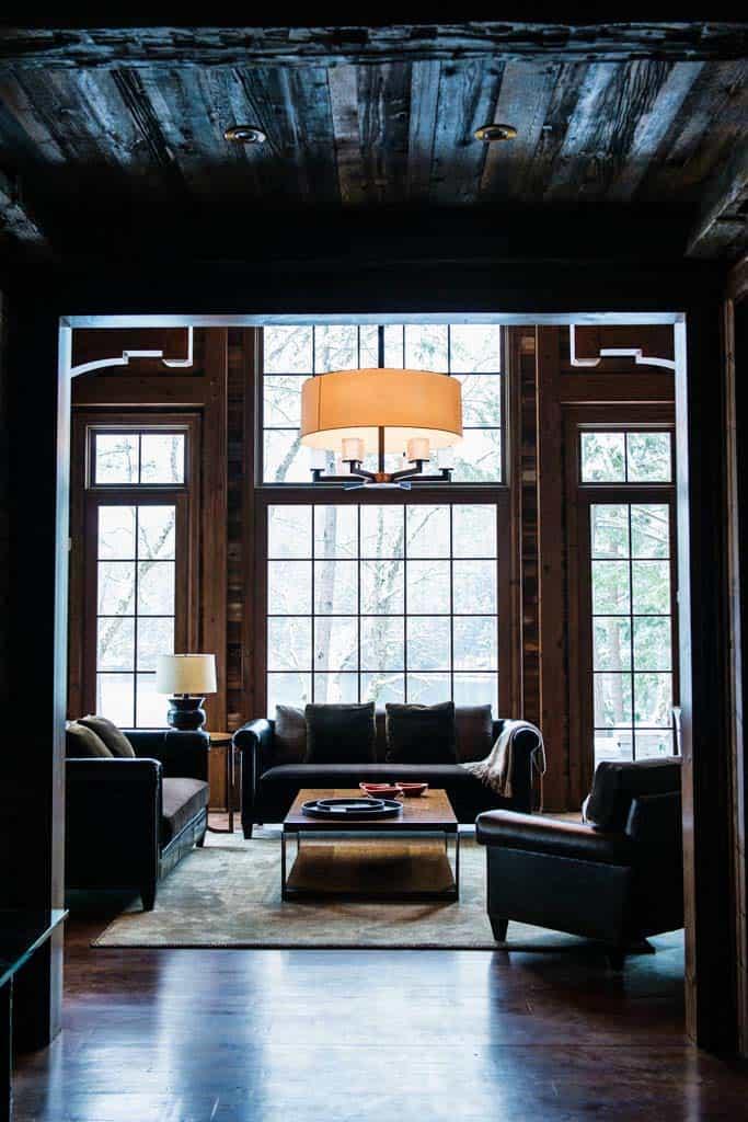 charming-rustic-cottage-timothy-johnson-design-11-1-kindesign
