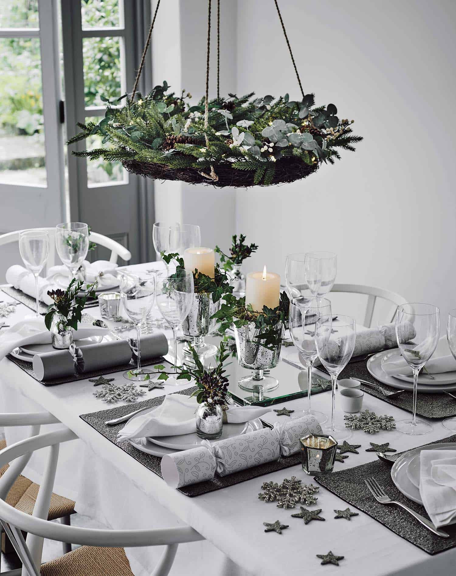 christmas-table-decorations-27-1-kindesign