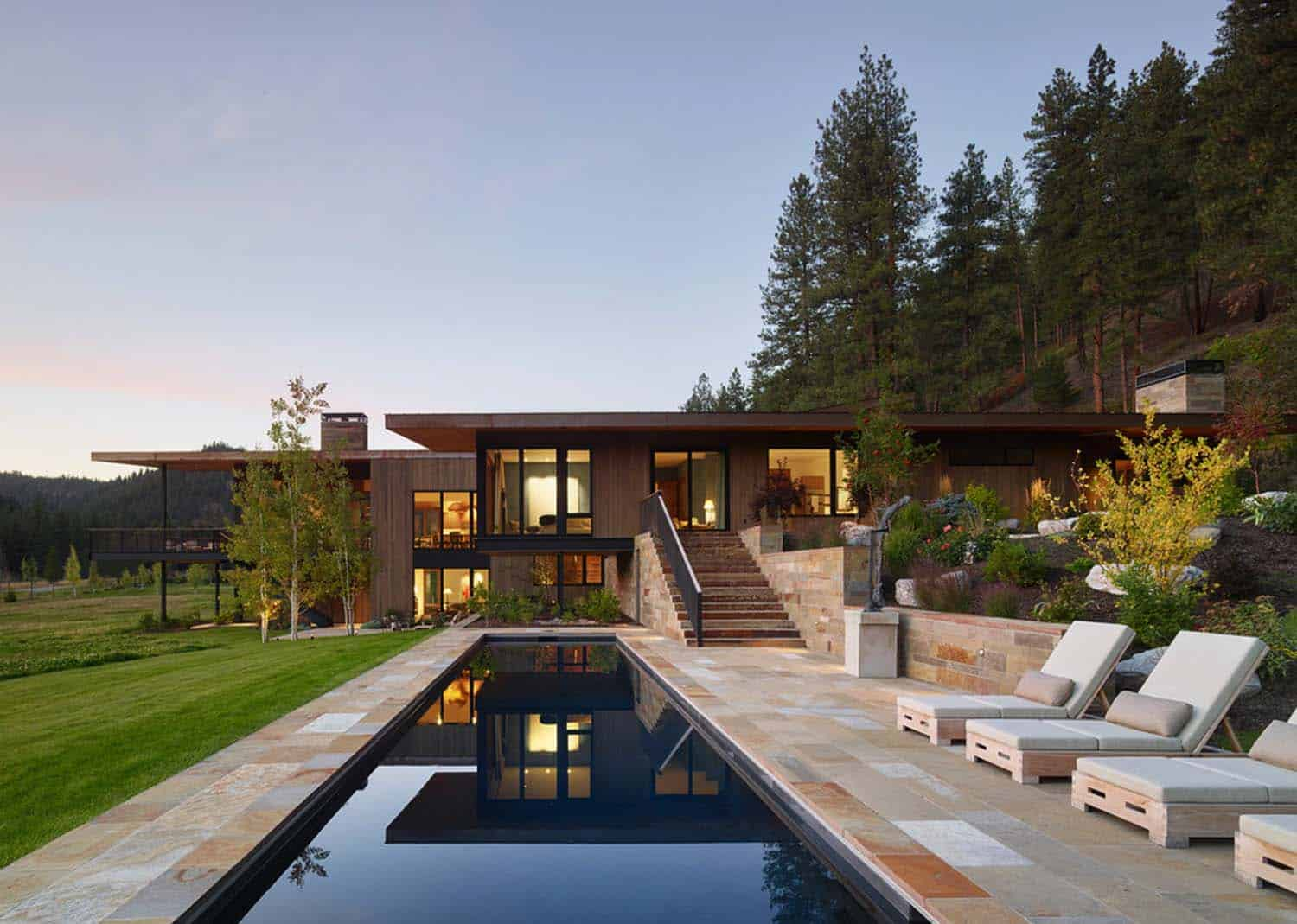 Contemporary mountain dwelling in Montana: RCR Residence