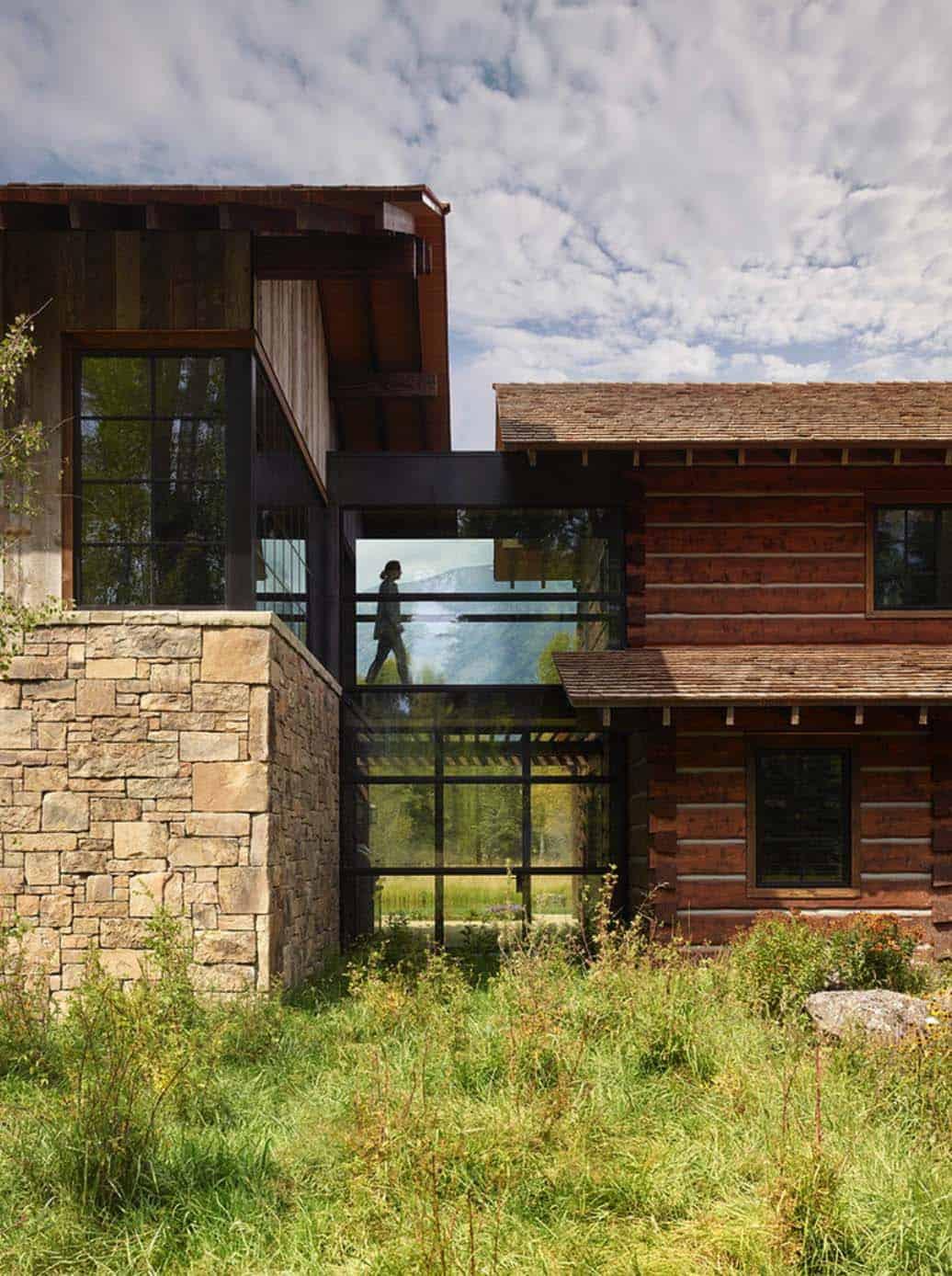 modern-rustic-mountain-retreat-carney-logan-burke-architects-02-1-kindesign