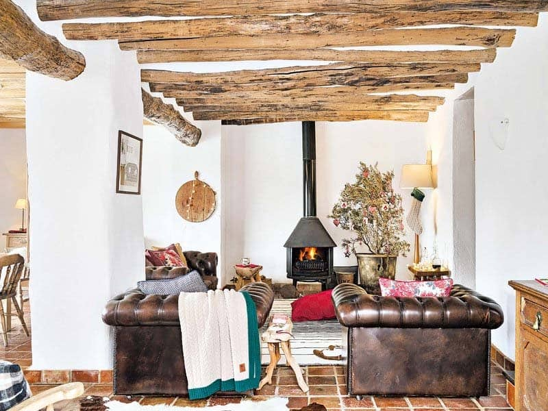 rustic-farmhouse-renovation-01-1-kindesign