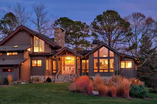 featured posts image for A cozy farm house surrounded by woods in North Carolina
