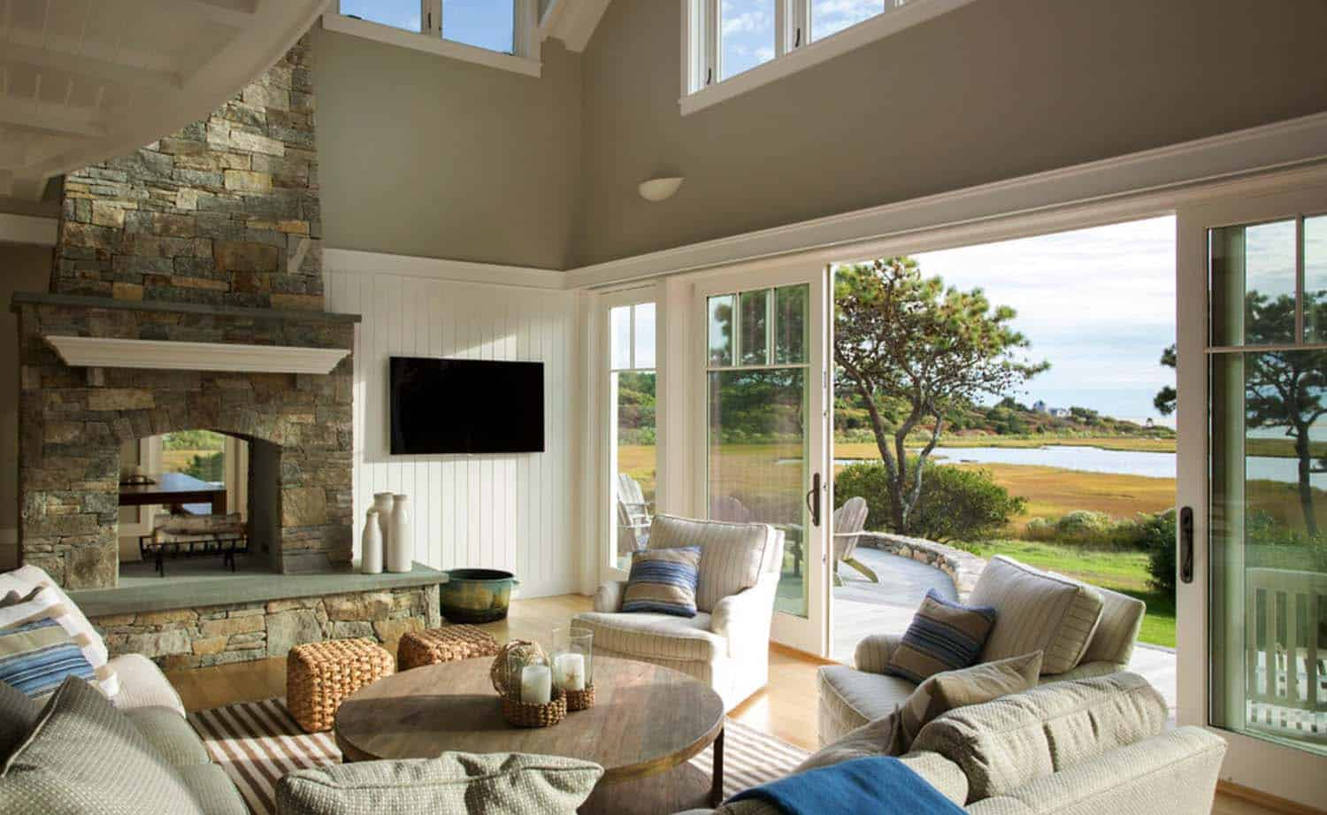 Beach House-Marthas Vineyard Interior Design-01-1 Kindesign