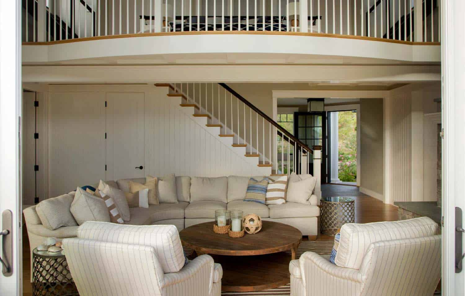 Beach House-Marthas Vineyard Interior Design-03-1 Kindesign