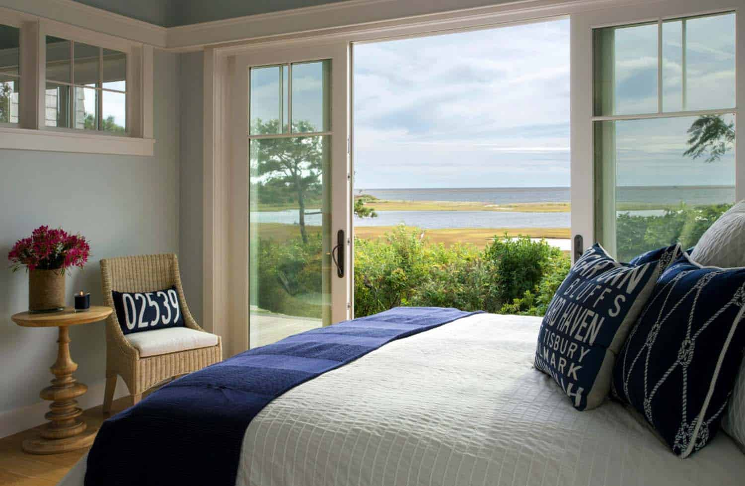 Beach House-Marthas Vineyard Interior Design-11-1 Kindesign