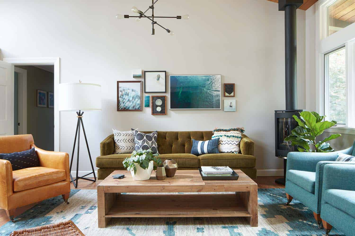 A New England home gets infused with a West Coast coastal vibe