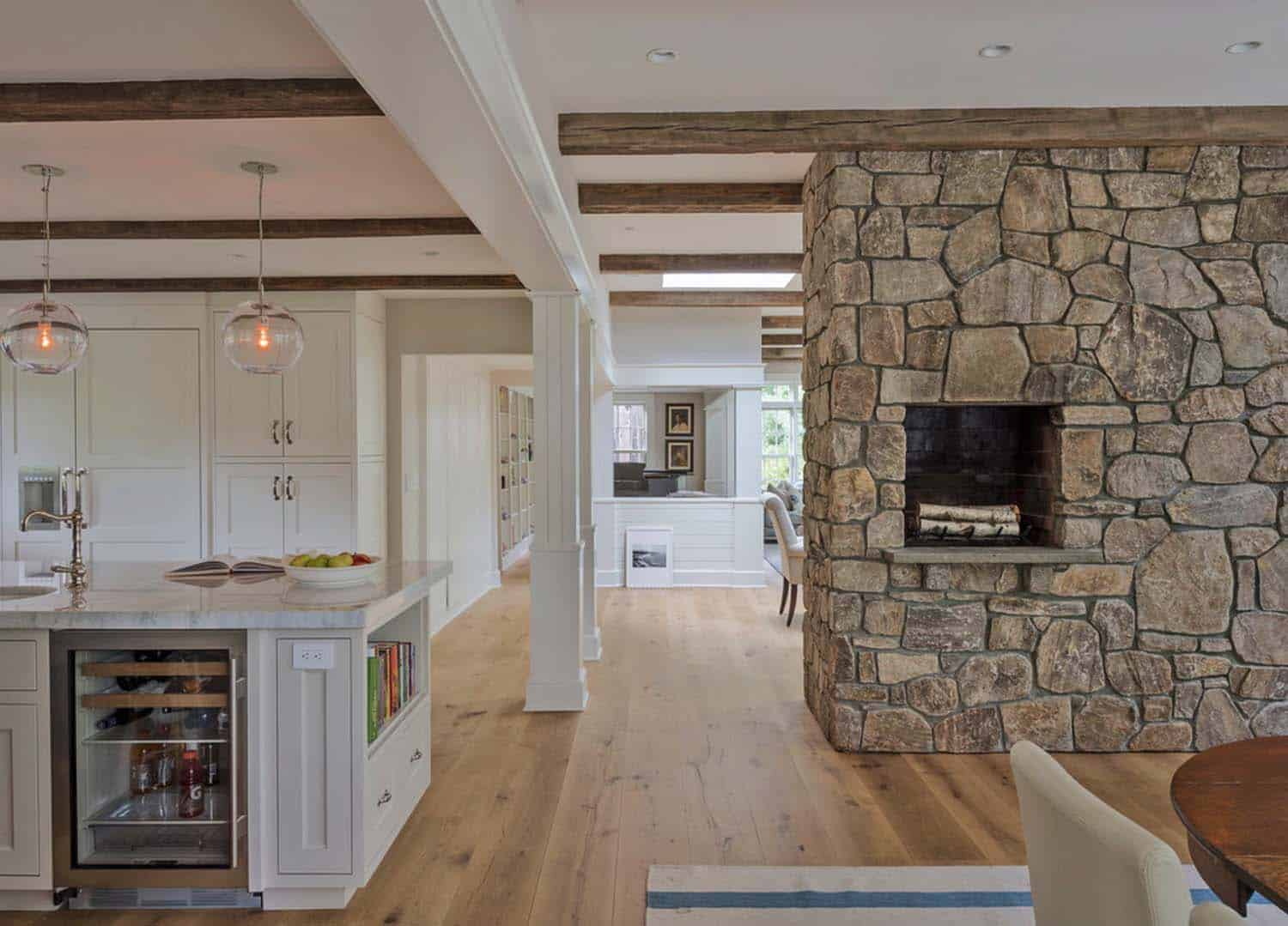 Farmhouse Style Home-Sellars Lathrop Architects-03-1 Kindesign