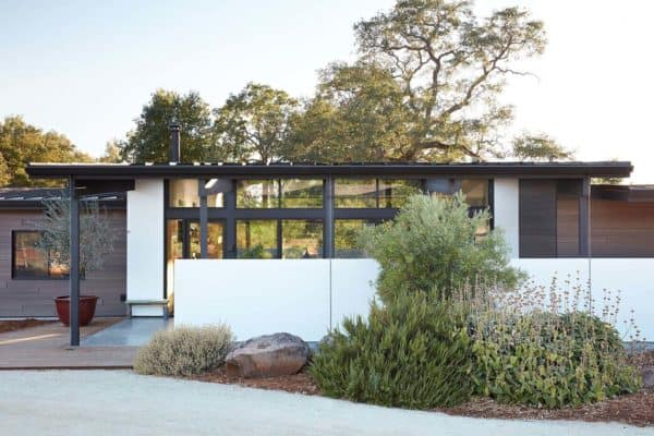 featured posts image for A modern California dwelling with surprising interior warmth