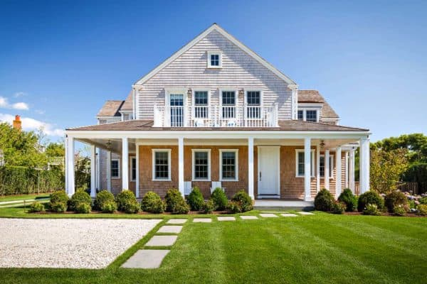 featured posts image for Shingle style house with beach chic interiors on Nantucket island