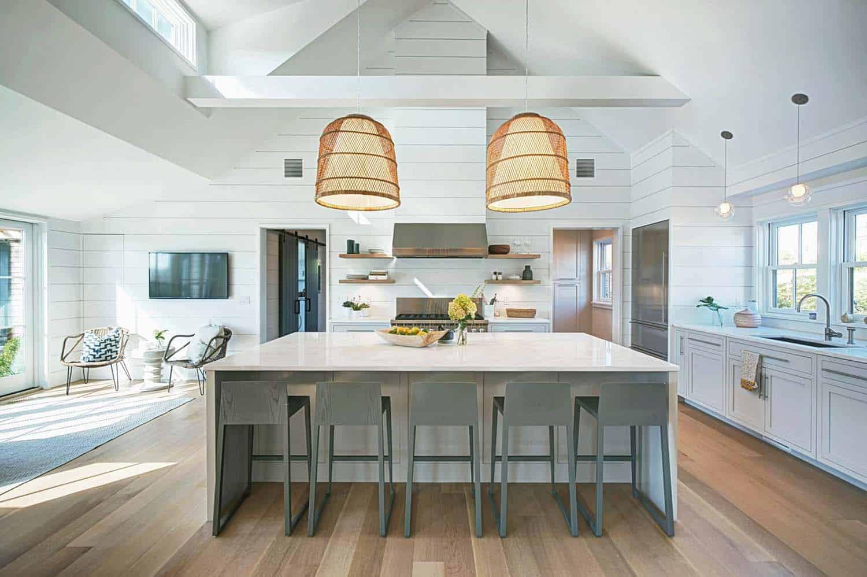 A Nautically Inspired Nantucket Beach Cottage Getaway