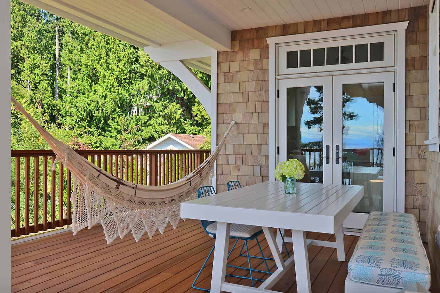 31 heavenly outdoor hammock ideas making the most of summer for Craftsman beach house