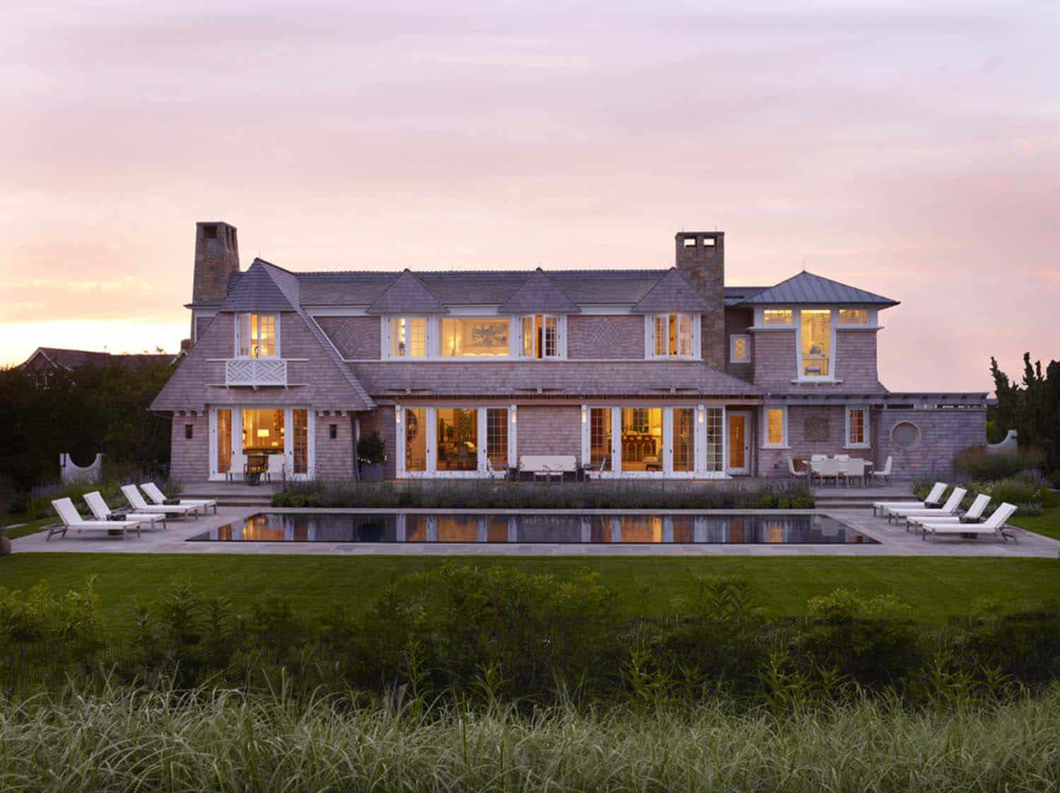 Beachfront hideaway with luxurious yet relaxing atmosphere in Sagaponack