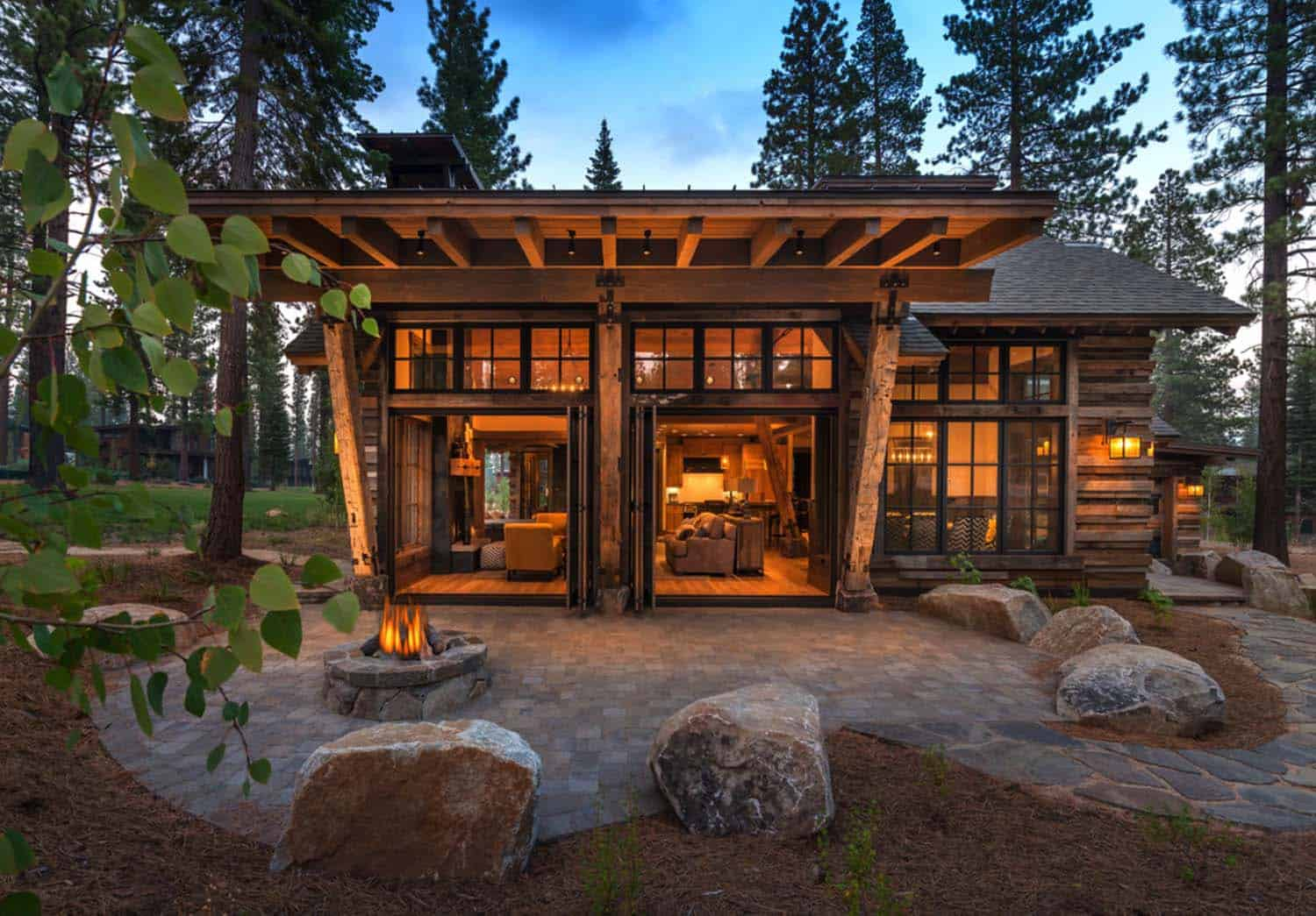 Cozy mountain style cabin getaway in martis camp california for Contemporary cabin