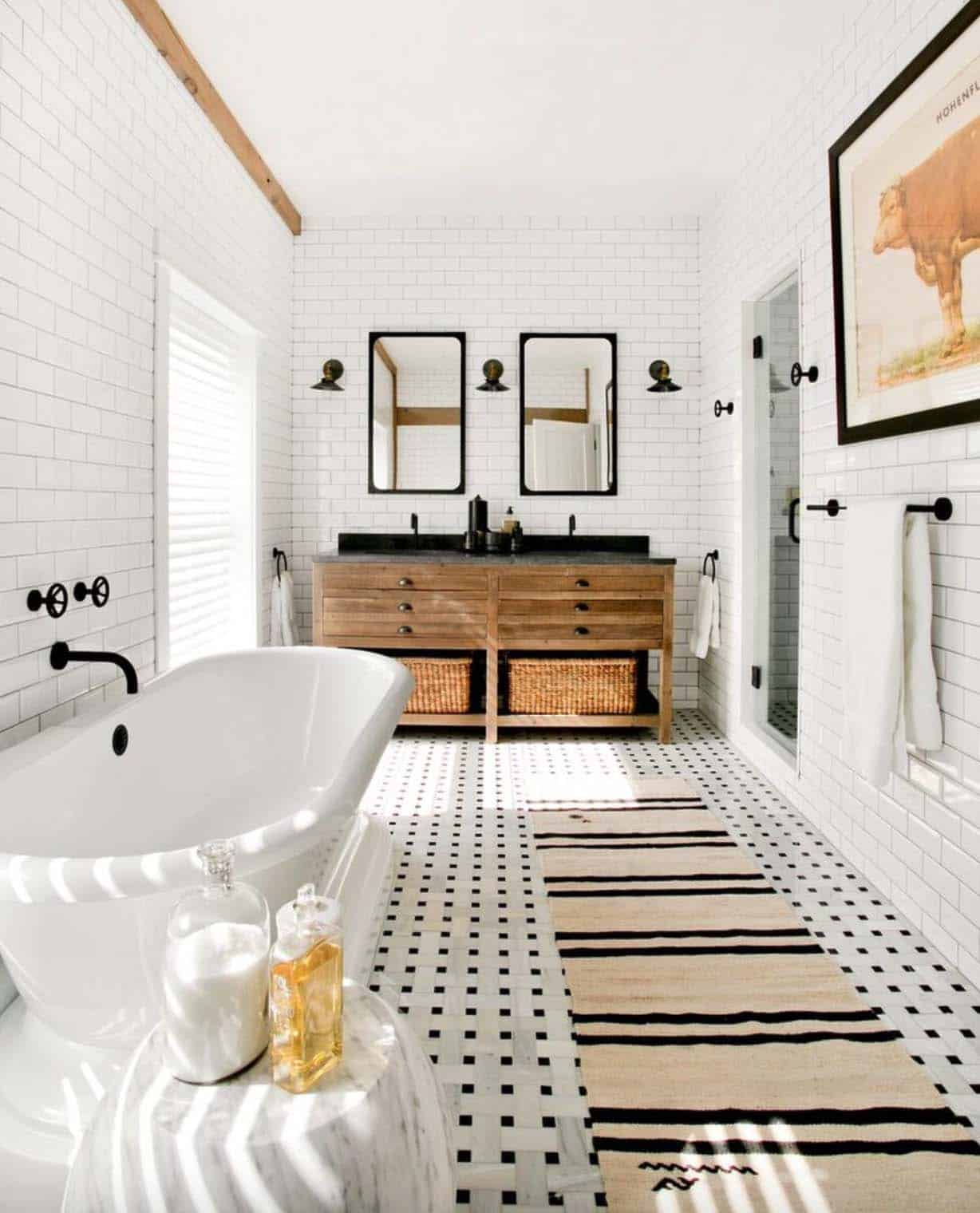 Beautiful Spacious Master Bedrooms: 21 Gorgeous Farmhouse Style Bathrooms You Will Love