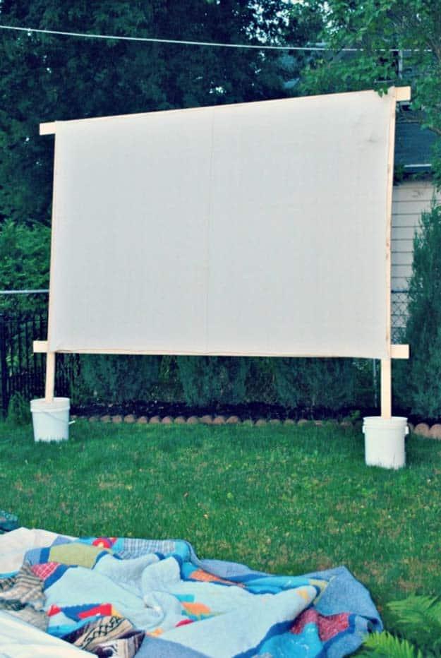 Backyard Movie Theaters-14-1 Kindesign