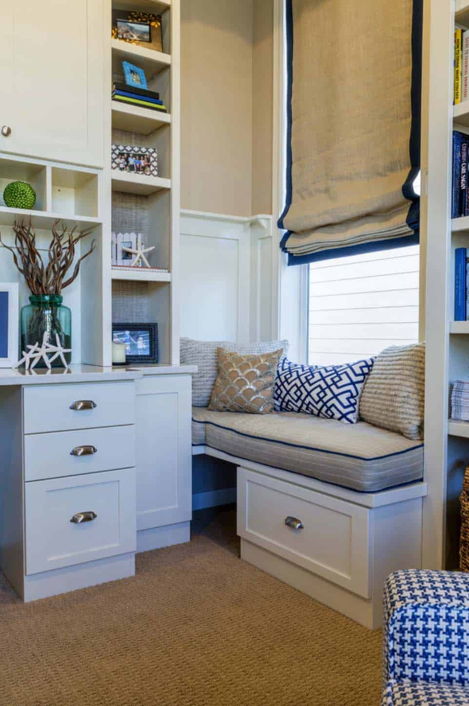 Cozy Reading Nooks For Lounging-17-1 Kindesign