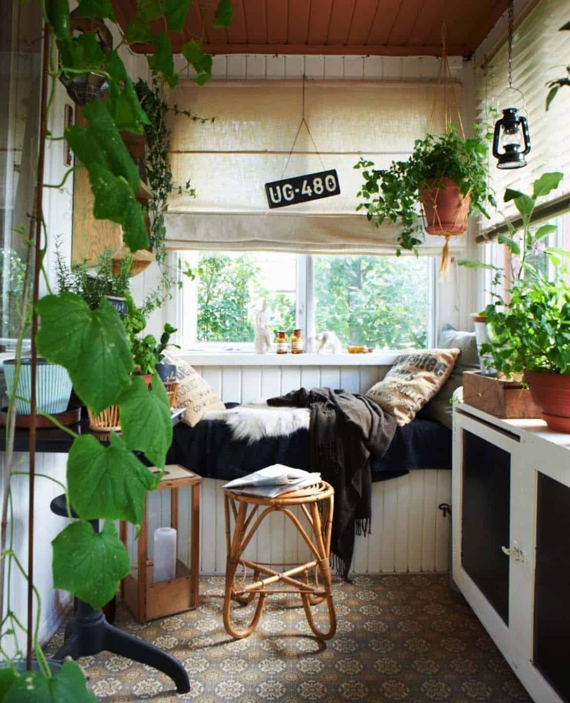 Cozy Reading Nooks For Lounging-22-1 Kindesign