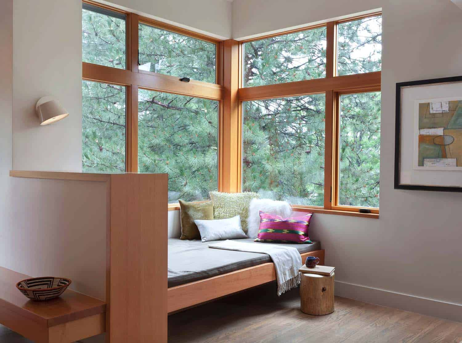 Cozy Reading Nooks For Lounging-27-1 Kindesign