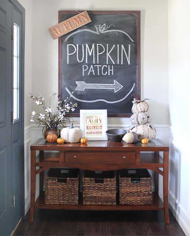 Fall-Inspired Entryway Decorating Ideas-02-1 Kindesign