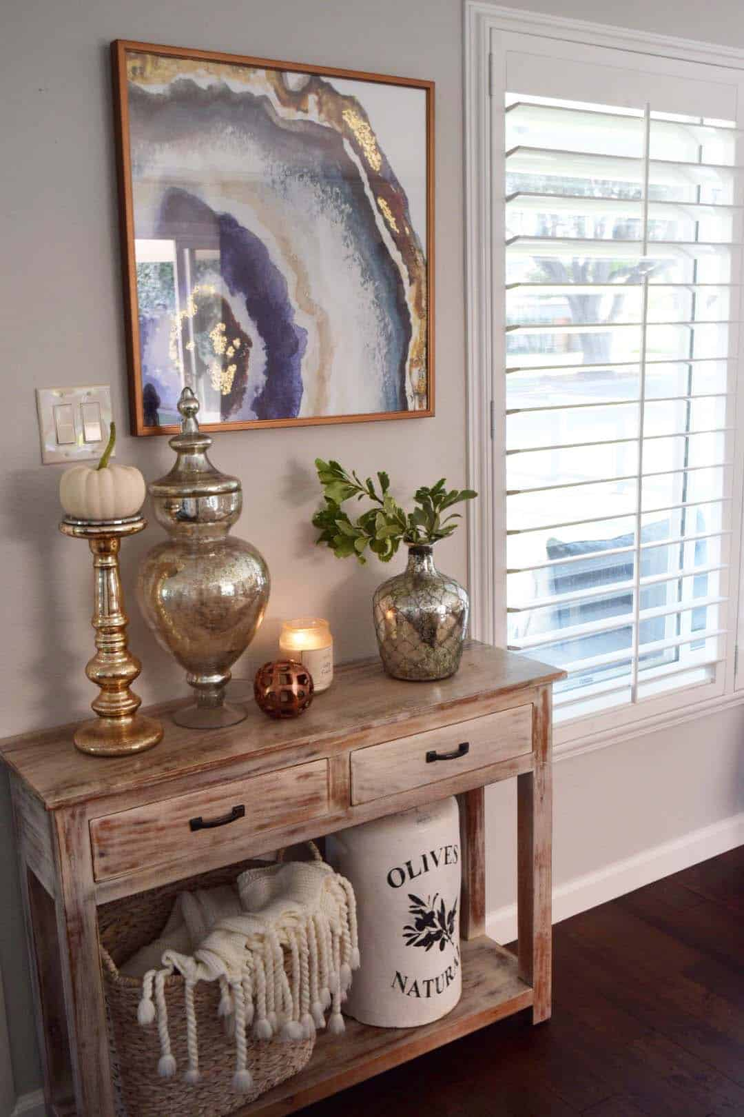 Fall-Inspired Entryway Decorating Ideas-11-1 Kindesign