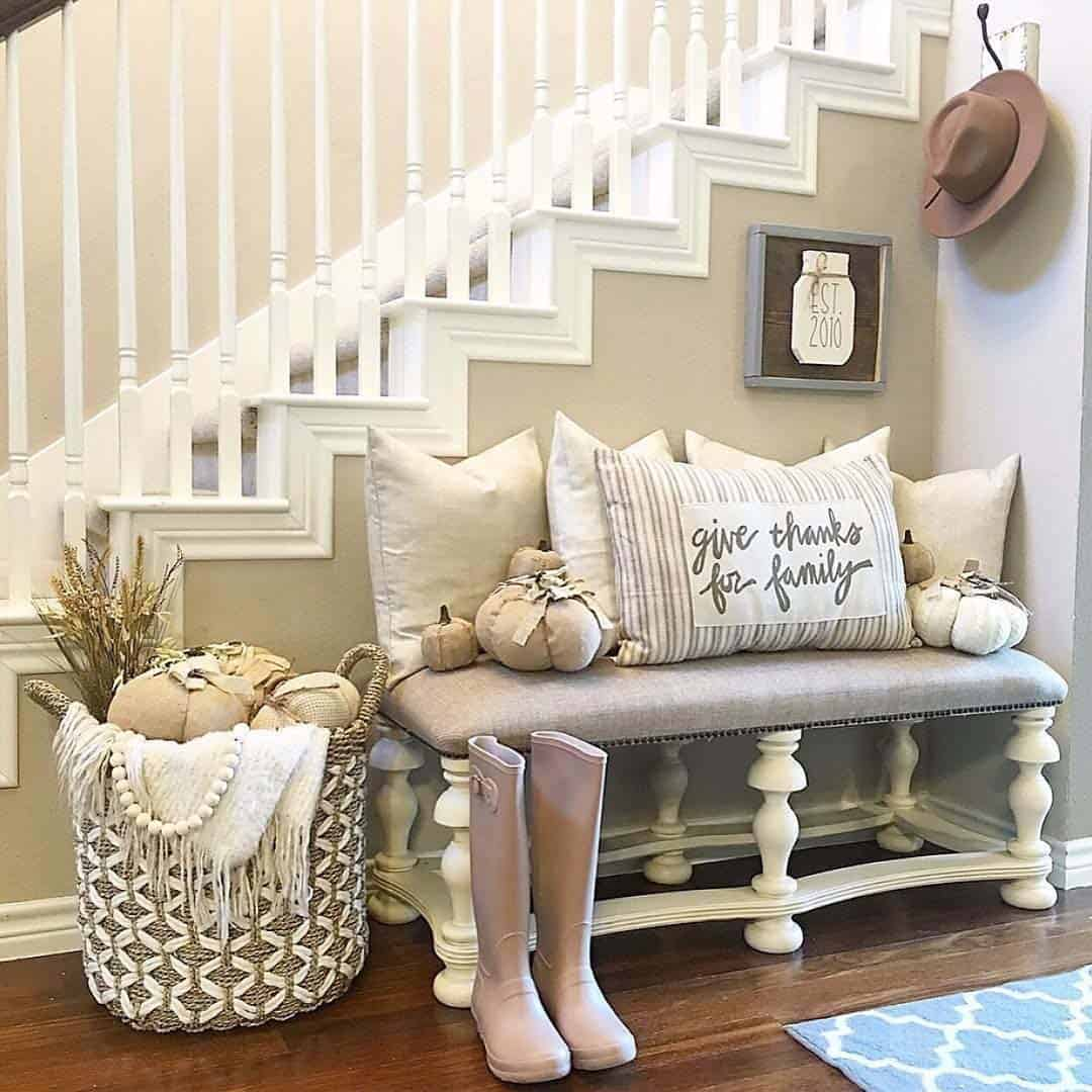 Fall-Inspired Entryway Decorating Ideas-14-1 Kindesign