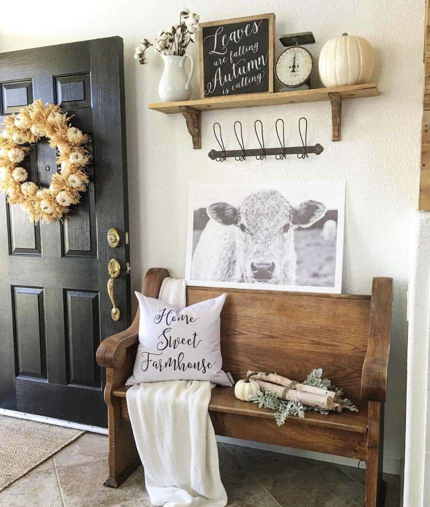 Fall-Inspired Entryway Decorating Ideas-18-1 Kindesign