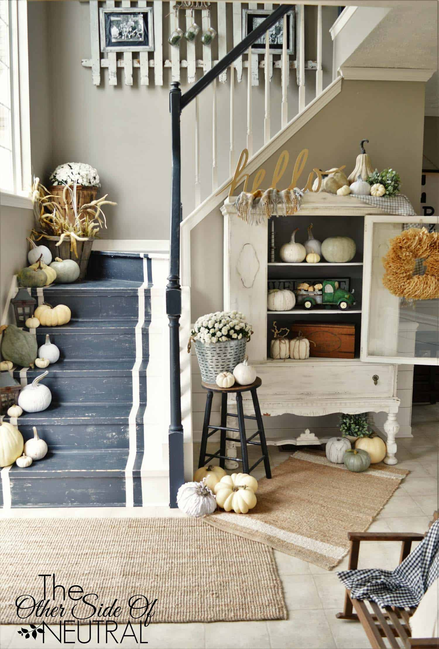 Fall-Inspired Entryway Decorating Ideas-20-1 Kindesign