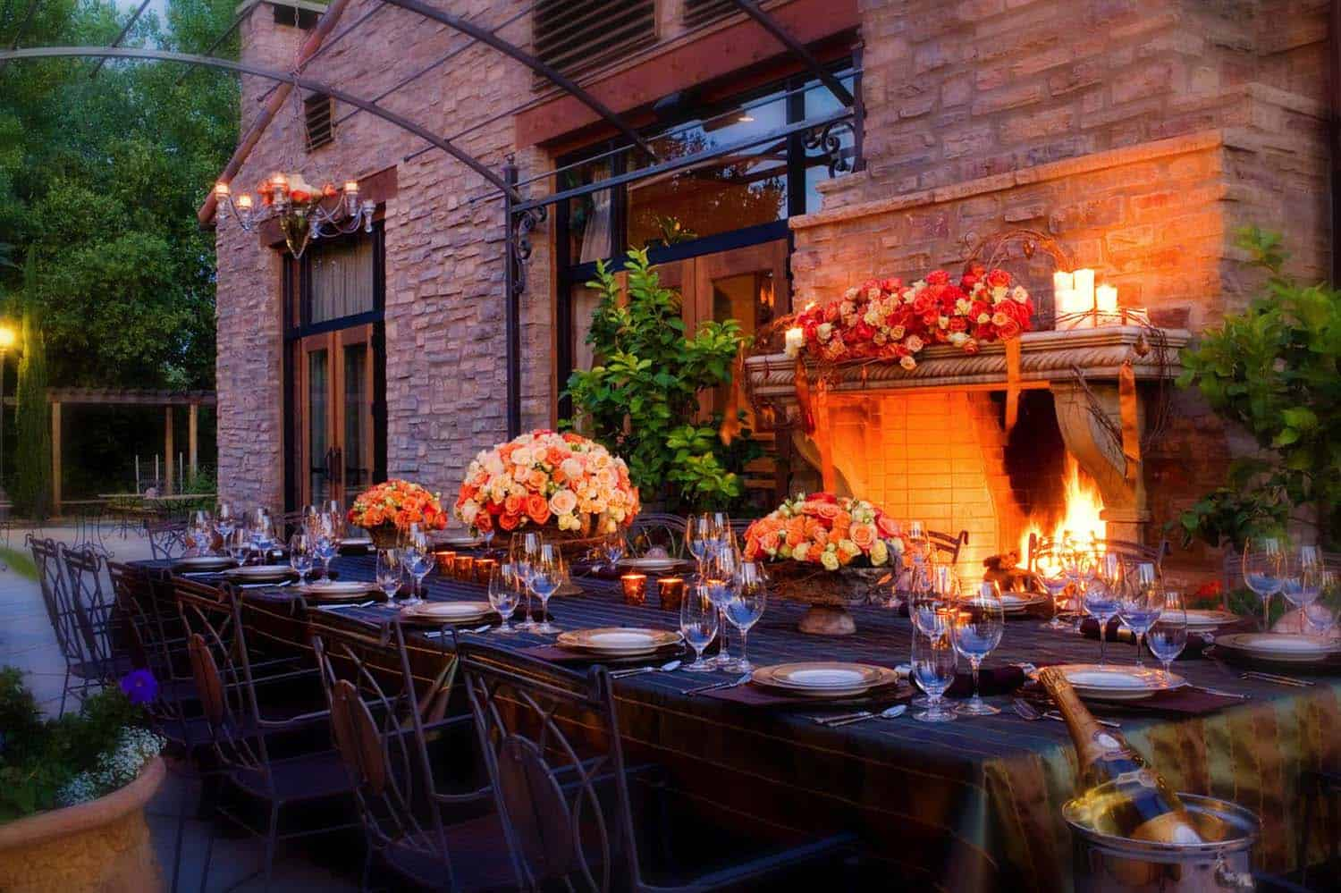 Fall-Inspired Outdoor Living Spaces-07-1 Kindesign