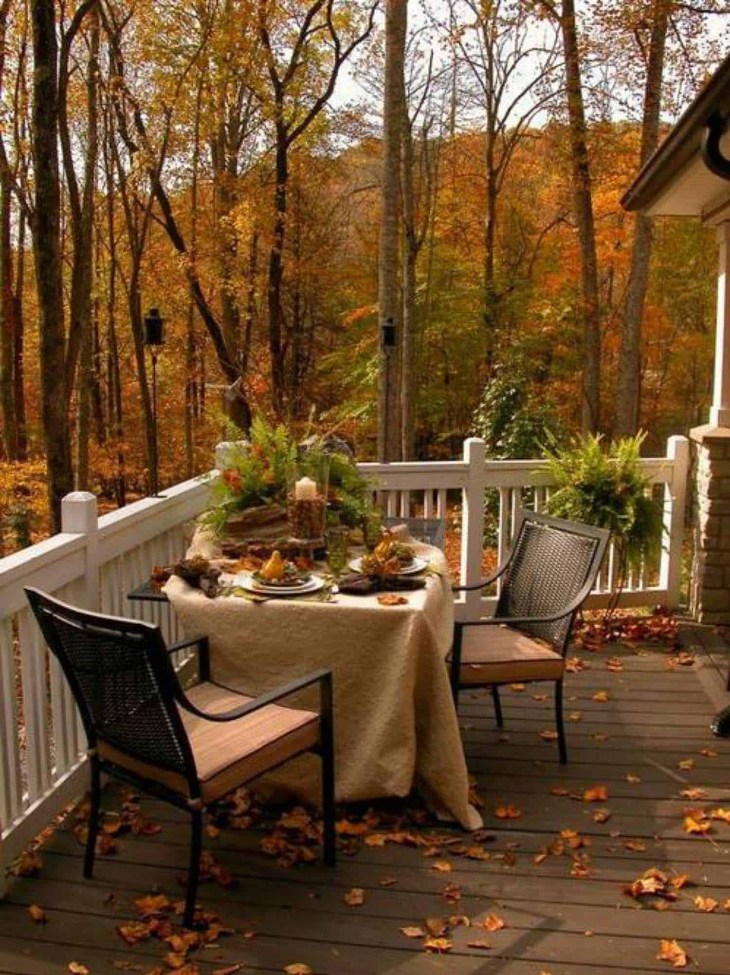 Fall-Inspired Outdoor Living Spaces-17-1 Kindesign