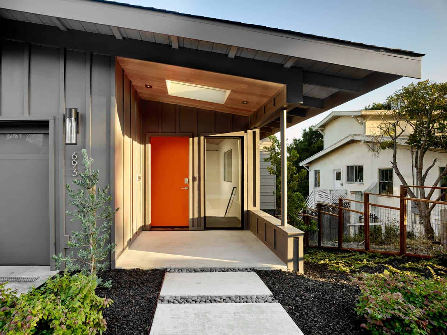 Midcentury-Inspired Home-Knock Architecture and Design-01-1 Kindesign