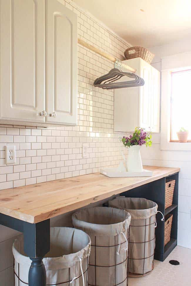 farmhouse-style-laundry-room