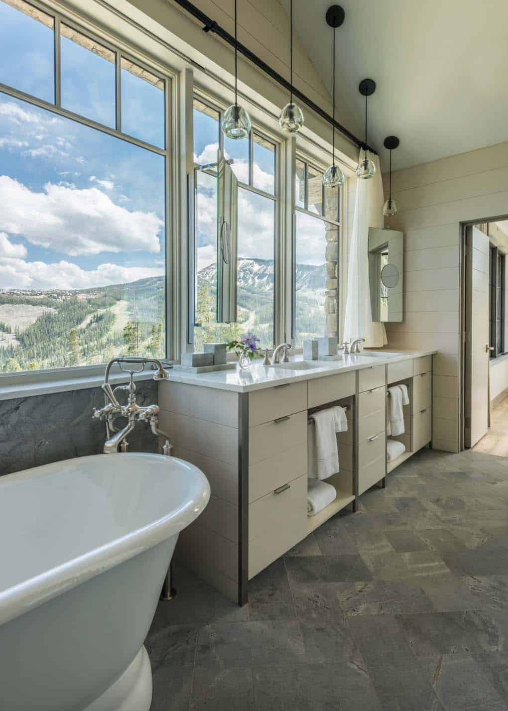 house-rustic-bathroom