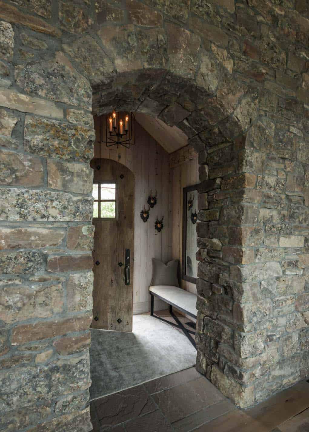 house-rustic-entryway