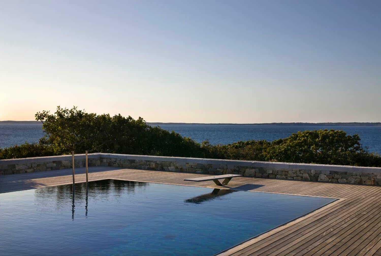 beach-style-pool-and-ocean